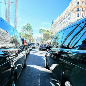 Trafic on the croisette Reflects